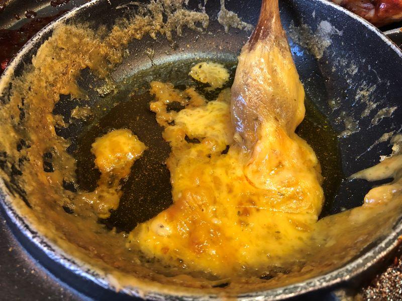 グッネチキンUFOフォンデュ、チーズが固まる