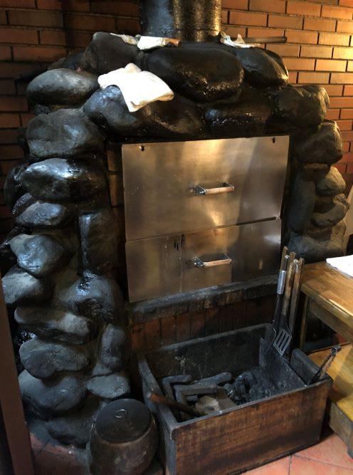 ステーキを焼く窯