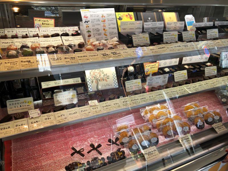 マプリエールのチョコレート陳列棚