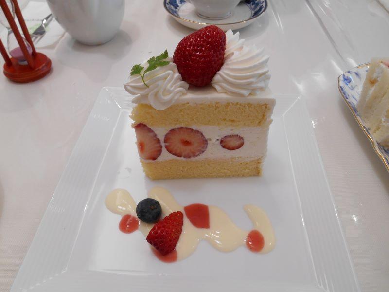 銀座千疋屋本店で食べた苺のショートケーキ